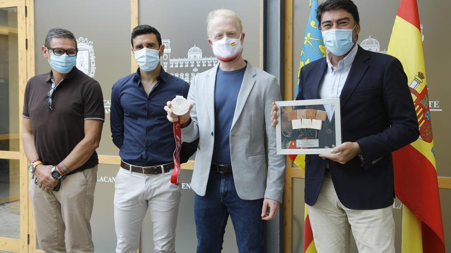 Reconocimiento de la ciudad de Alicante a Iván Cano, uno de los héroes de Tokio 2020
