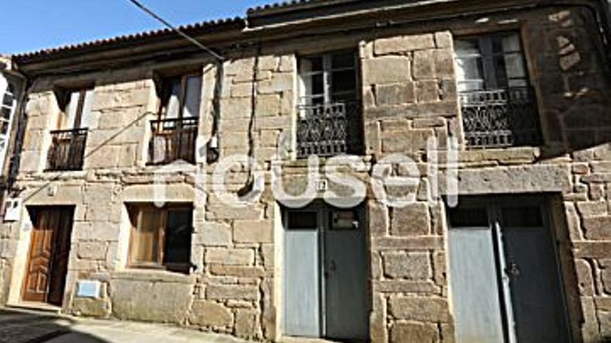 320.000 € Venta de casa en Corcubión 348 m2, 3 habitaciones, 2 baños, 920 €/m2, 1 Planta...