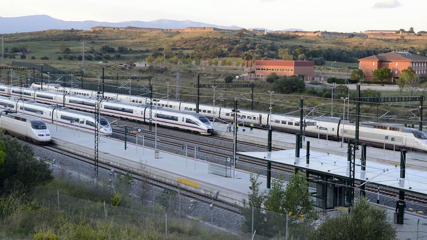 Una avaria en el sistema d'electrificació obliga els trens AVE a circular per una única via entre Riells i Figueres