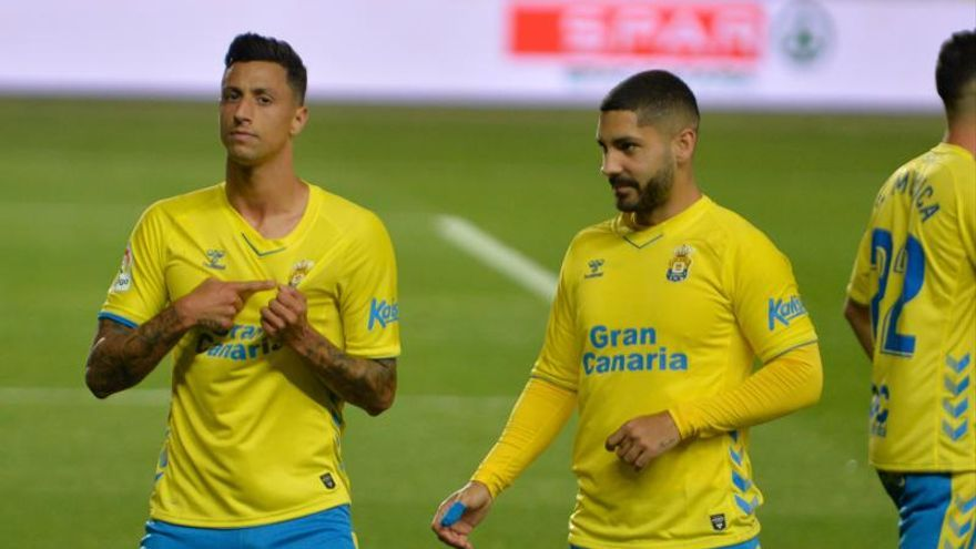 Dos fogonazos y buenas noches de la UD Las Palmas frente al FC Cartagena