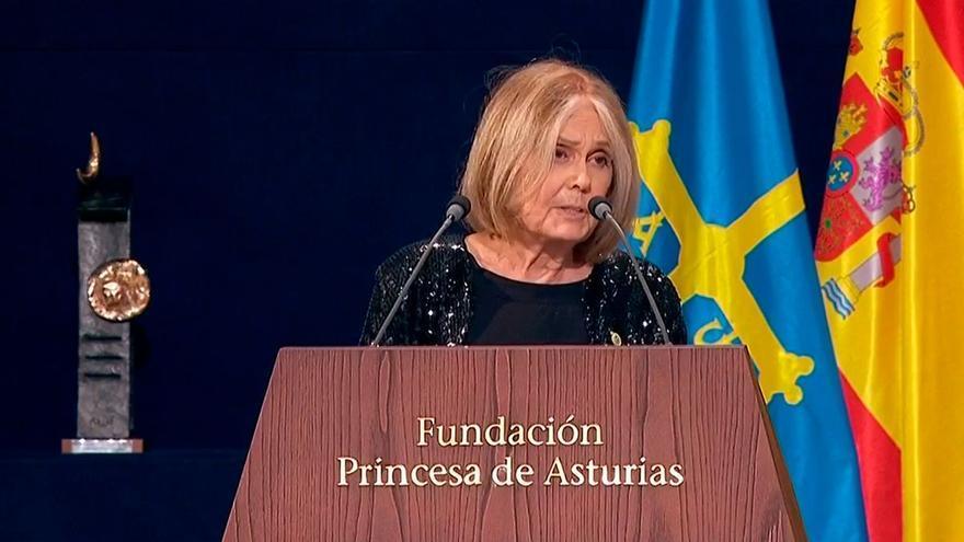 Steinem cree que el confinamiento contribuyó a liberar a las personas de las ataduras de los roles de género