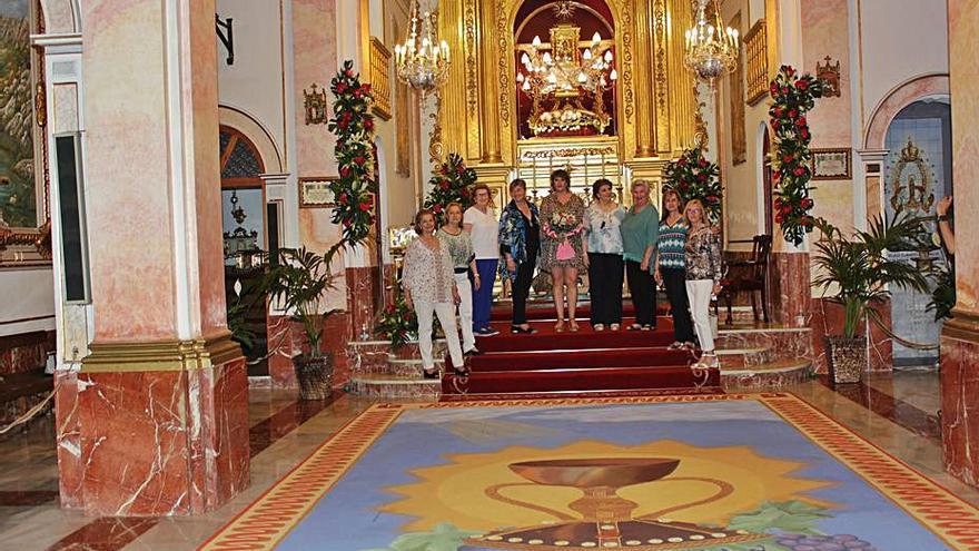 La alfombra del Corpus de Villalonga ya luce en la capilla