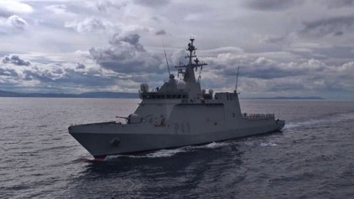 El Buque de Acción Marítima 'Relámpago', en sus tareas de vigilancia en aguas canarias.     LP/DLP