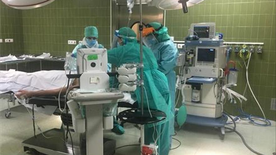 Los hospitales de Castellón recortan la lista de espera quirúrgica