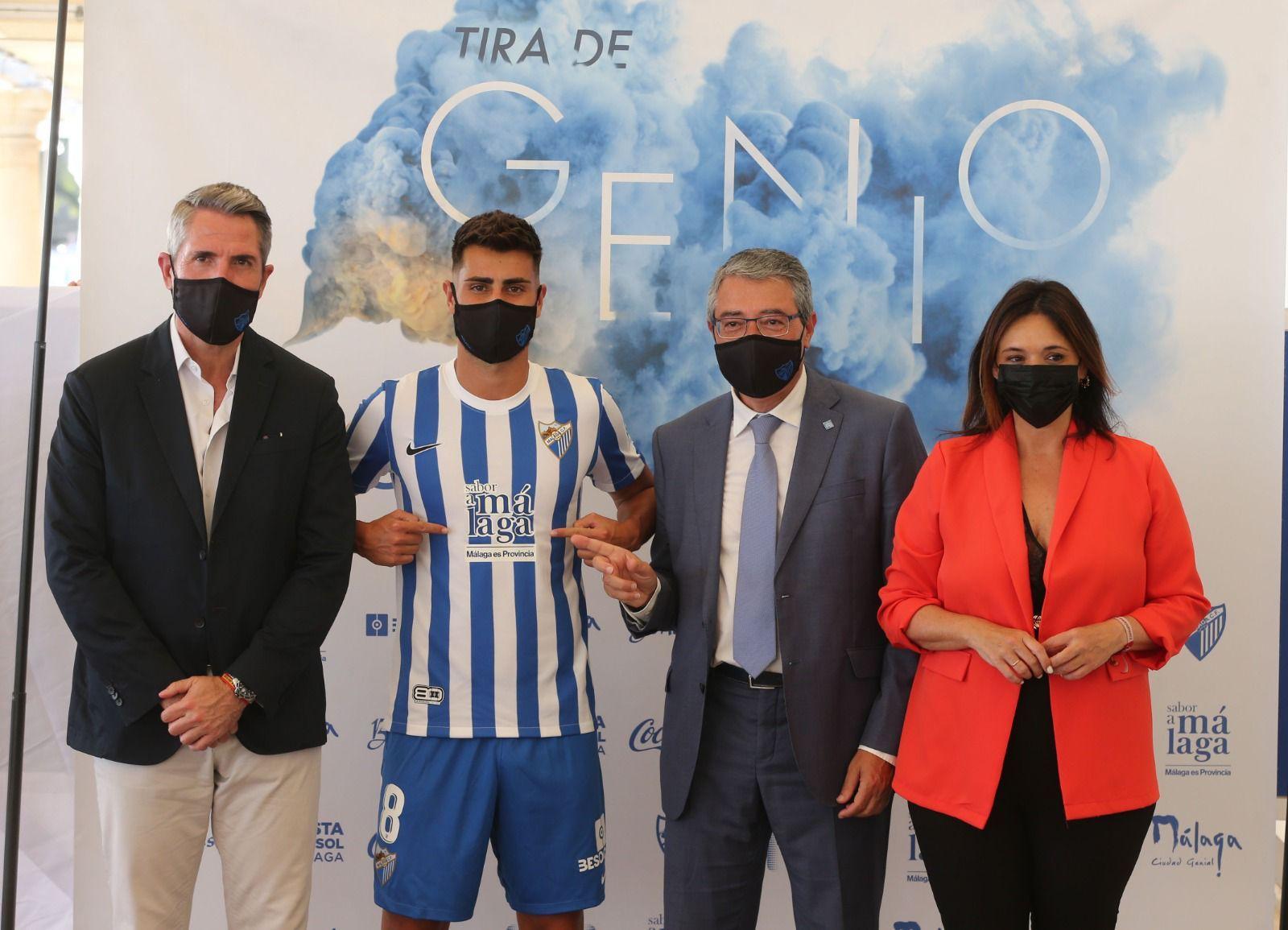 El Málaga CF presenta sus nuevas camisetas