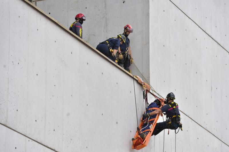 Ejercicios de rescate de los bomberos de LPGC