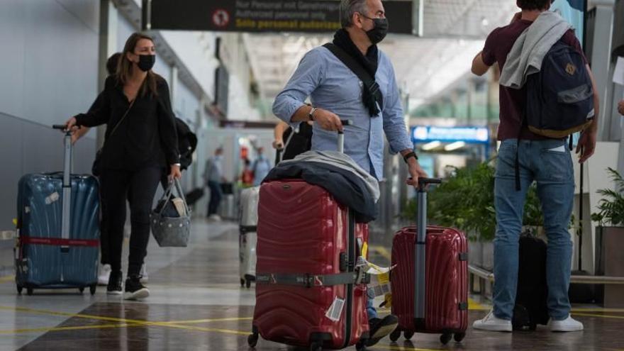 Canarias prorroga hasta el 28 de febrero el control de pruebas Covid-19 a viajeros nacionales