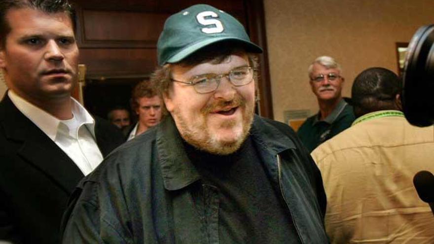 Michael Moore avisa a Donald Trump y a Roseanne Barr