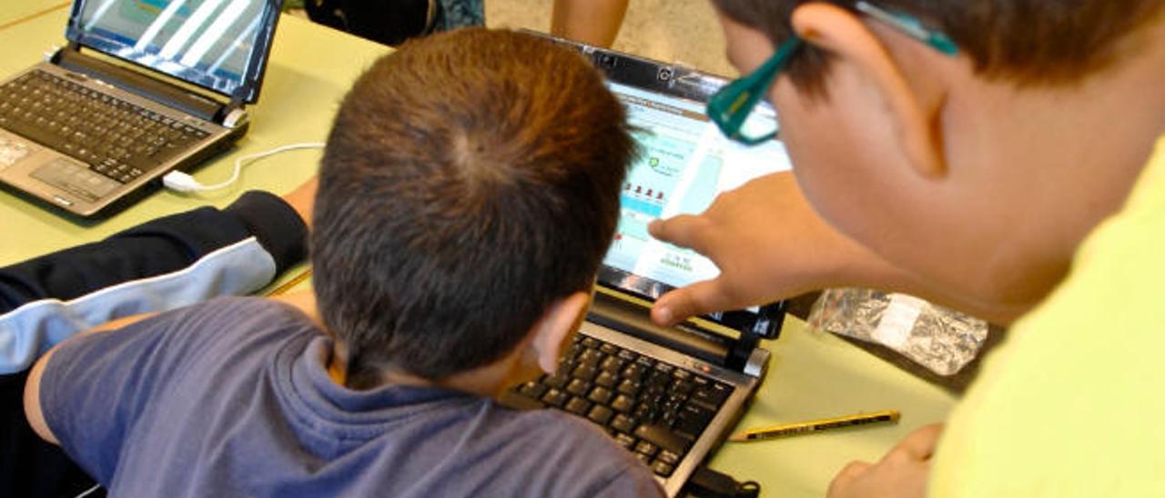 Dos empresas canarias asumen un servicio nacional contra el 'cyberbullying'