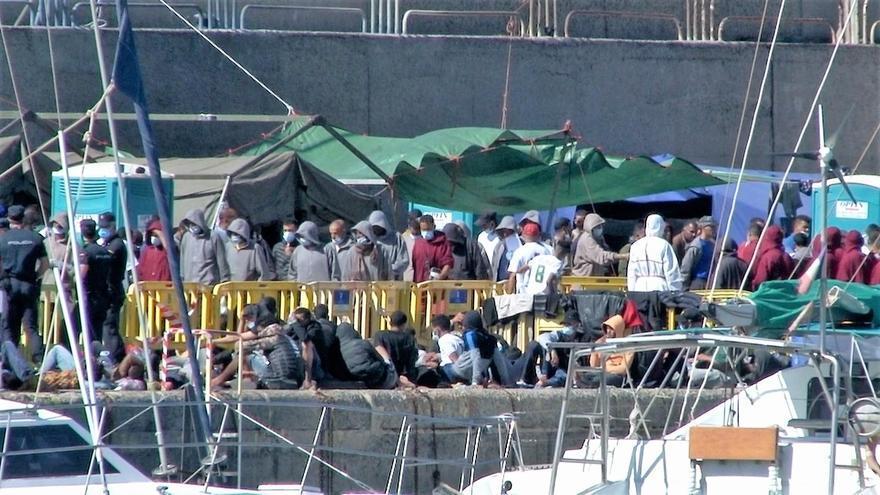 Escrivá regresará esta semana a Canarias para abordar la situación migratoria en las islas