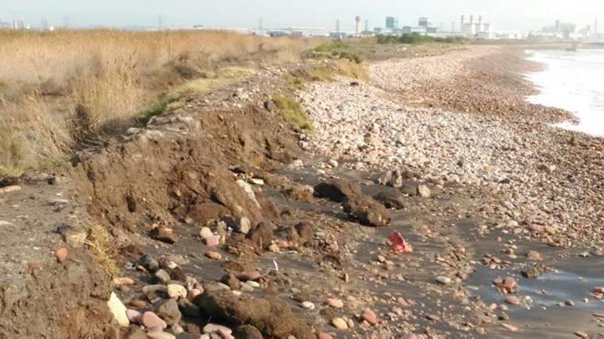El agua del mar irrumpió en el marjal de Almardà y en el dels Moros
