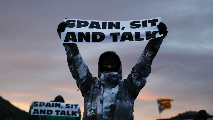 Desallotjament del tall de Tsunami Democràtic a la frontera