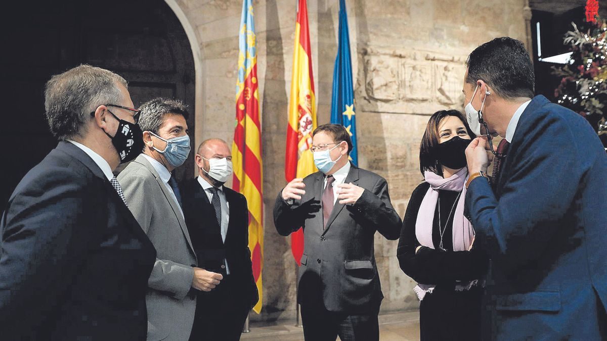 Ximo Puig, Carlos Mazón y Rubén Alfaro en el encuentro entre el Consell y las diputaciones celebrado en el Palau hace unos meses