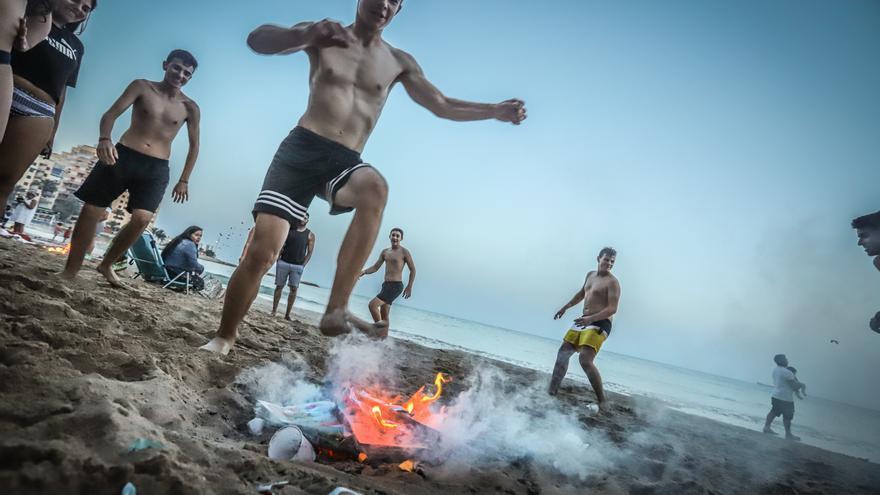 Barceló adelanta que no se permitirá celebrar fiestas de San Juan en las playas