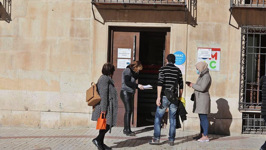 El Ayuntamiento de Elche detecta que la gente sin recursos es la que más usa la Administración Electrónica