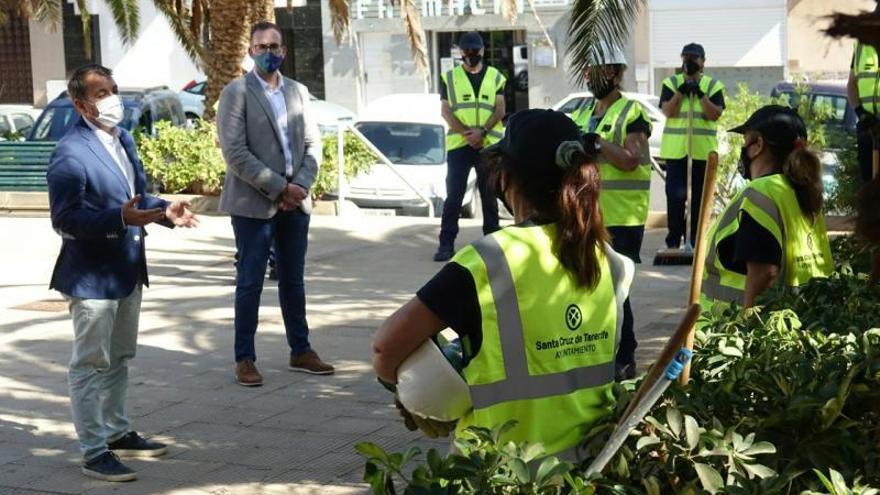 Un centenar de obreros reforzará hasta abril el mantenimiento de los barrios