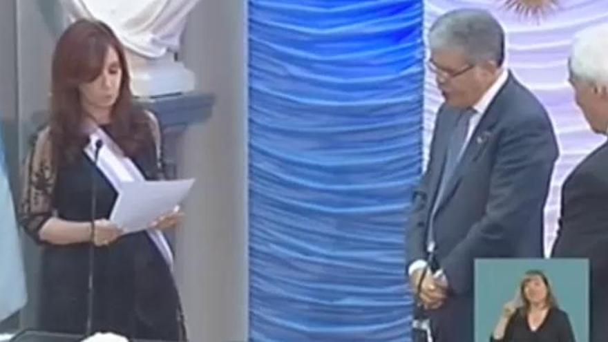 Un juez procesa a Cristina Fernández por sobornos y solicita prisión preventiva