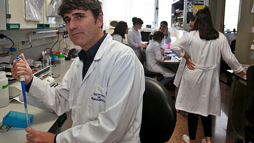 La UMH estudia la herencia familiar en casos de alzhéimer