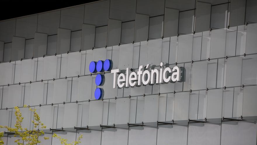 Iberdrola y Endesa retrasan la firma del 'megacontrato' de luz de Telefónica por la reforma del Gobierno