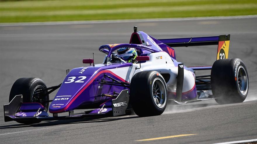 Nerea Martí acaba quinta en su debut en Silverstone
