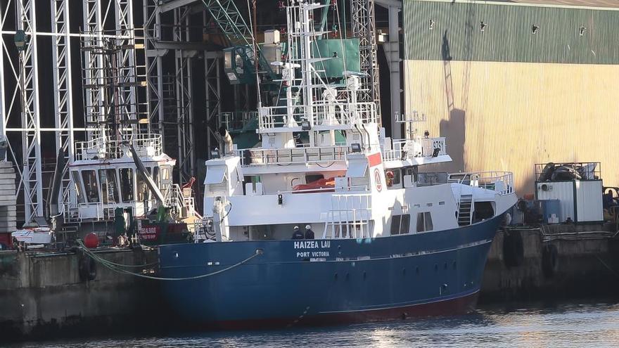 Un pesquero vasco escapa de un ataque pirata en el Índico