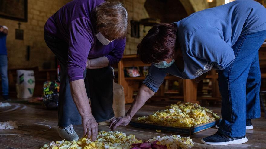 GALERÍA | El Perdigón extiende su espectacular alfombra de flores para el Corpus
