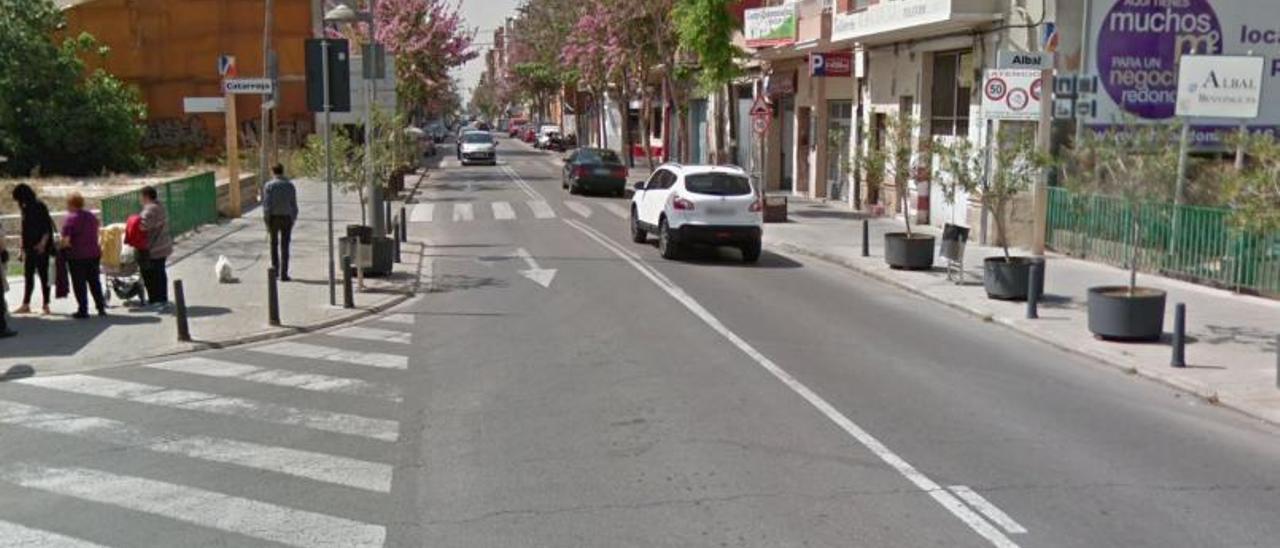 Frontera entre Albal y Catarroja con los carteles de ambos pueblos a cada lado. | G.M.
