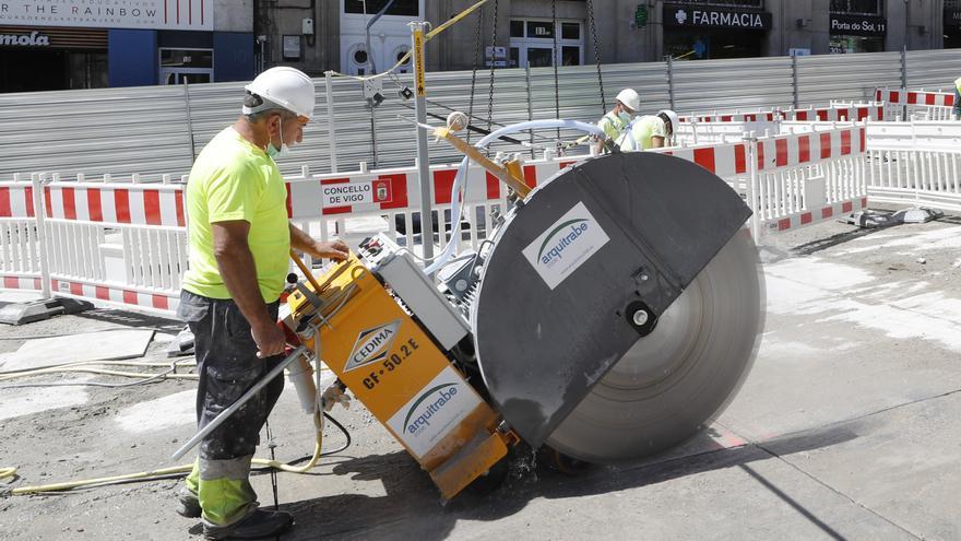 Paso adelante de las obras de Porta do Sol: grúas para construir el túnel