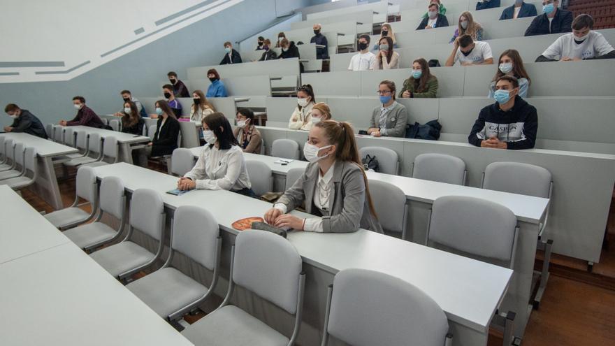 """Las universidades de la Región piden """"presencialidad máxima"""" el curso que viene"""