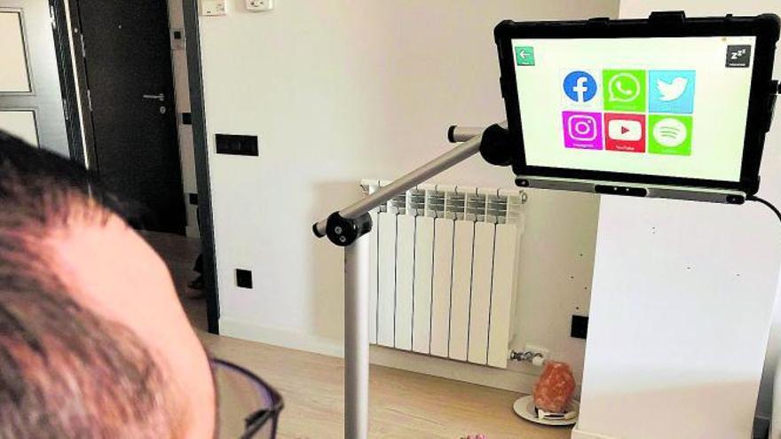 L'Hospital de Bellvitge comença  a utilitzar lectors oculars per a la comunicació de pacients amb ELA