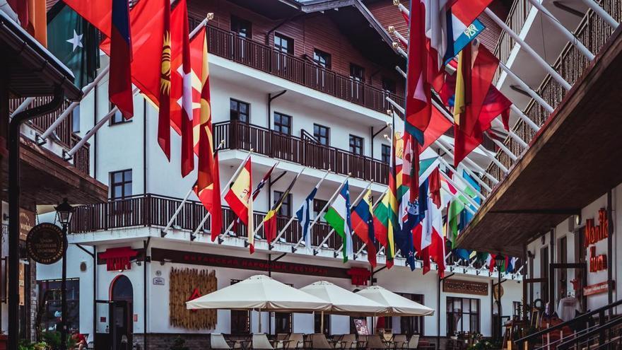El Suprem prohibeix l'exhibició de banderes «no oficials» als edificis i espais públics