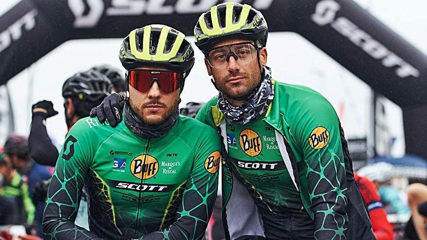 Despliegue del equipo Buff MTB Scott Team para la Vuelta a Ibiza