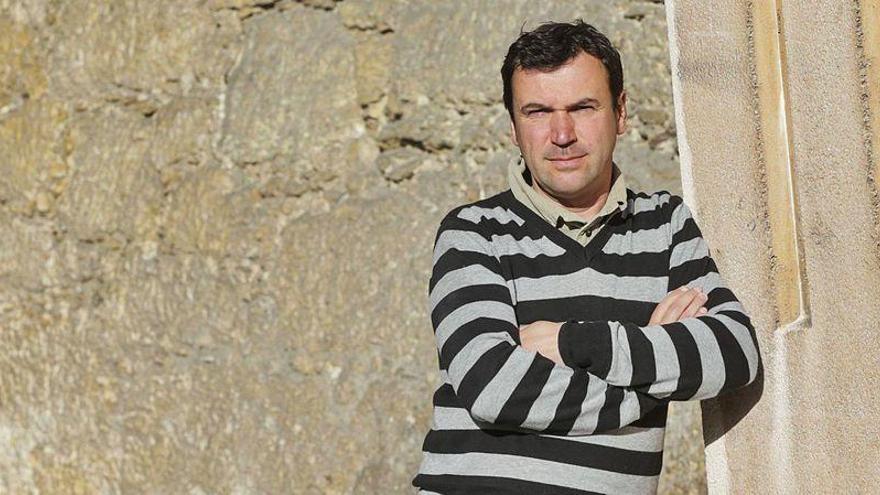 Arqueólogos asturianos hallan unas raras figuras neolíticas humanas en Jordania