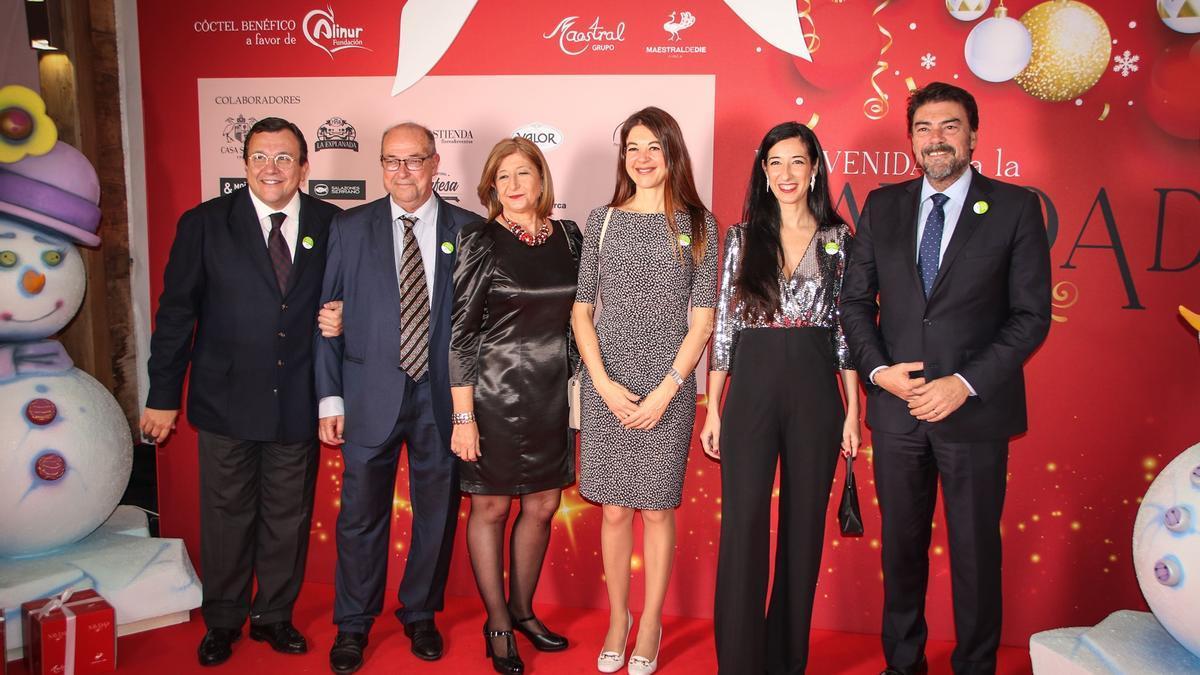 Antonio Arias, CEO de Vectalia, junto al alcalde Barcala, la consellera Pascual y otras personalidades para anunciar la campaña