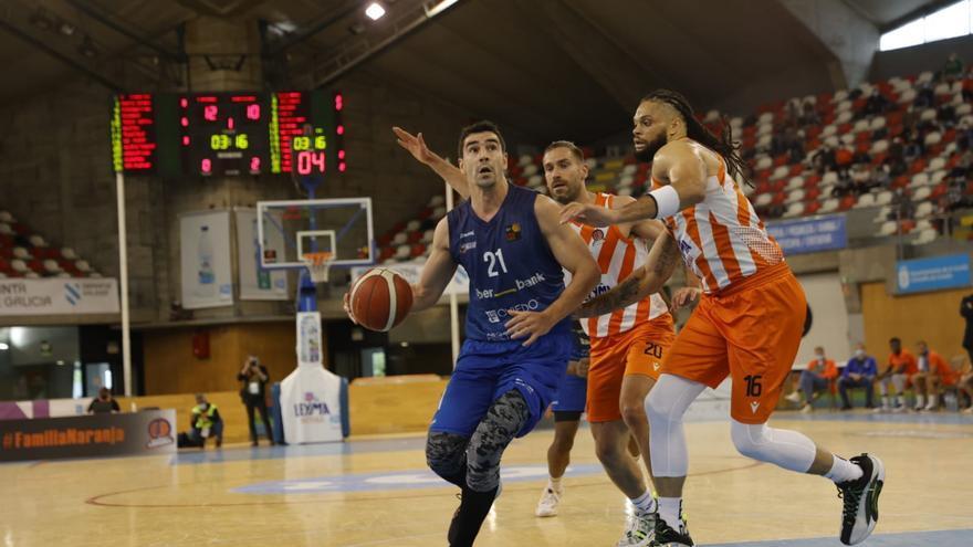 Las mejores imágenes del enfrentamiento entre el Leyma Coruña y el Liberbank Oviedo Baloncesto