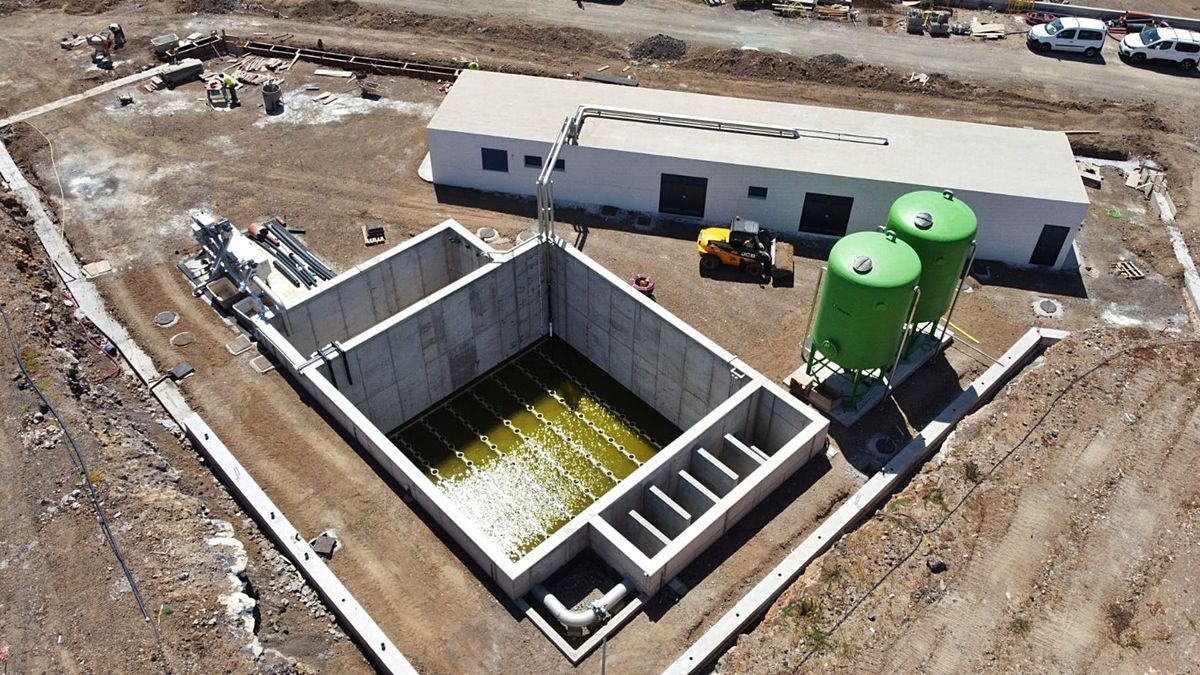 Imagen aérea de la Estación Depuradora de Aguas Residuales del Polígono de La Campana, en el municipio de El Rosario.