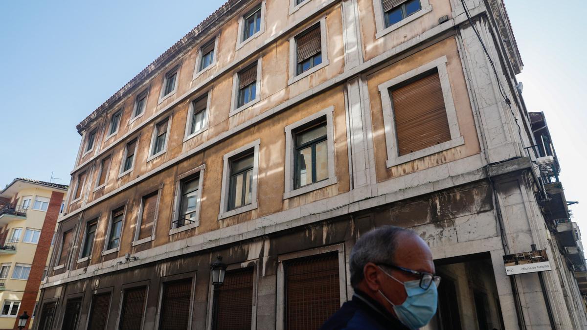 La sede antigua de Correos en Avilés, en la calle La Ferrería