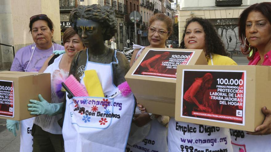 Las empleadas del hogar piden integrarse en el Régimen General de la Seguridad Social
