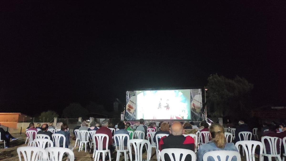 Visualización de cortometrajes del Festival Corterafest celebrado en Villadeciervos