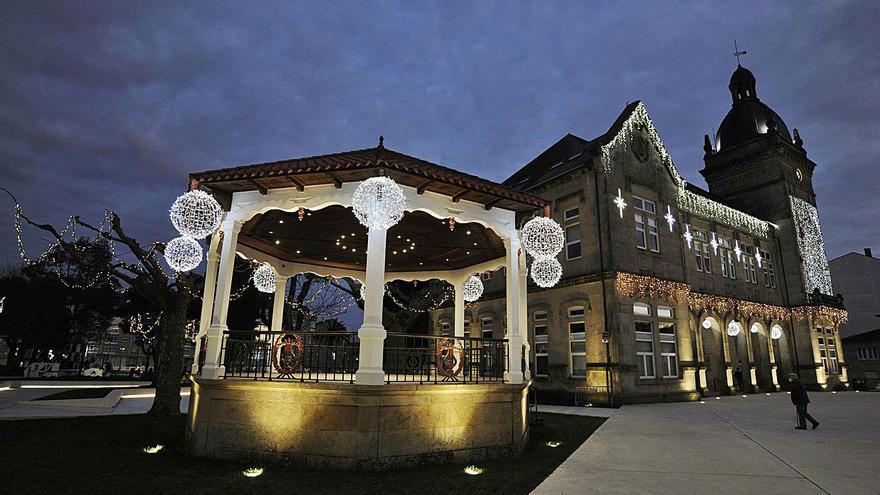 A Estrada innova con hinchables luminosos de gran formato en su alumbrado navideño