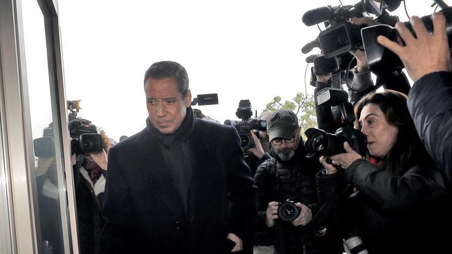 La Guardia Civil eleva a 12,8 millones las mordidas de la red de Zaplana