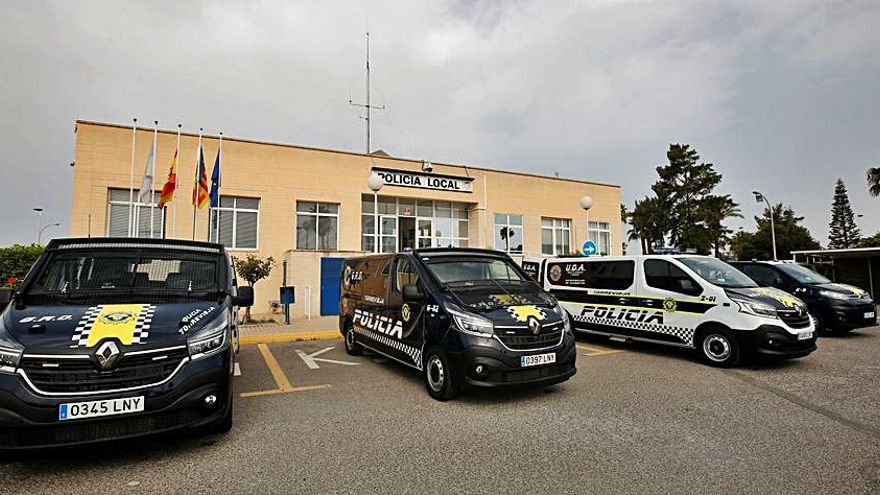 Torrevieja renueva los furgones policiales