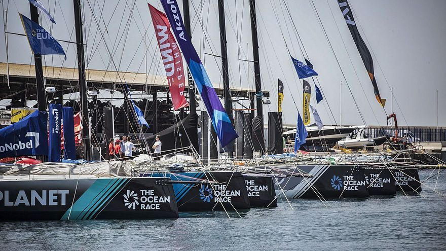Los barcos de la Ocean Race Europe se ponen a punto para la etapa Alicante-Génova