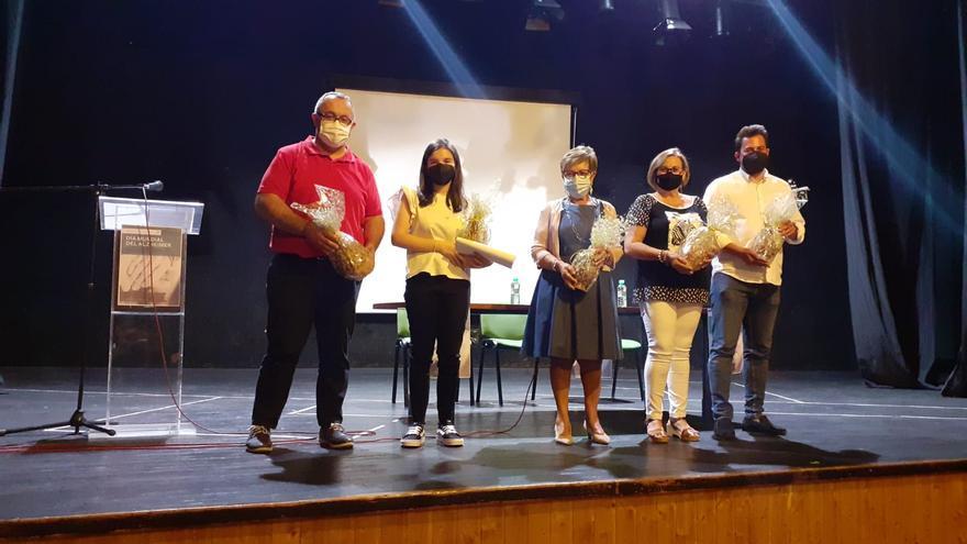Varias iniciativas sobre el alzheimer implican a los mayores y a los jóvenes de Torrejoncillo