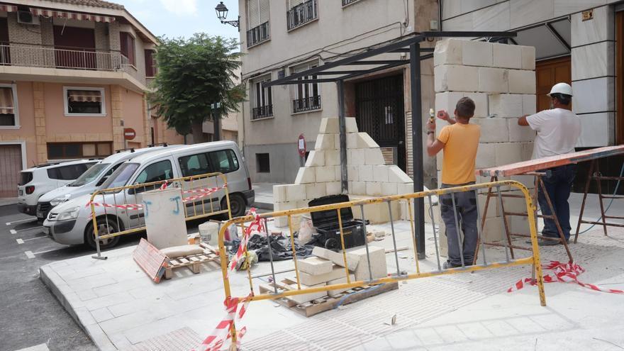 El PSOE de Bigastro cuestiona que la falta de planificiación de las obras agrave la crisis económica de los negocios del centro