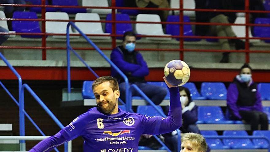 Primera meta a la vista del Unión Financiera: el equipo de Oviedo tiene al alcance de la mano la lucha por subir a División de Honor Plata
