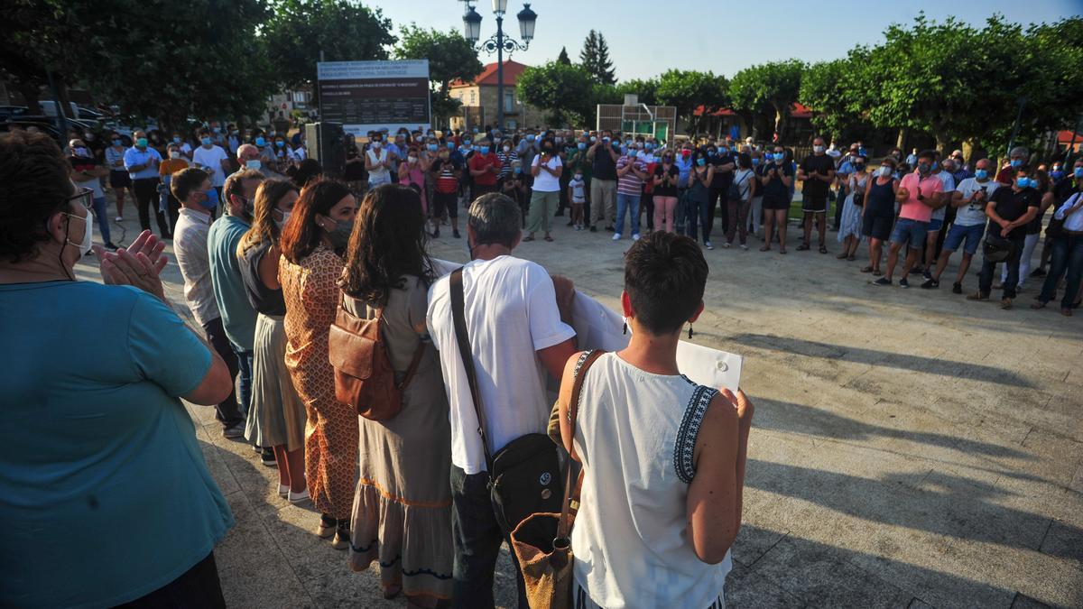 Concentración por la sanidad pública celebrada en Meis a principios de julio del año pasado