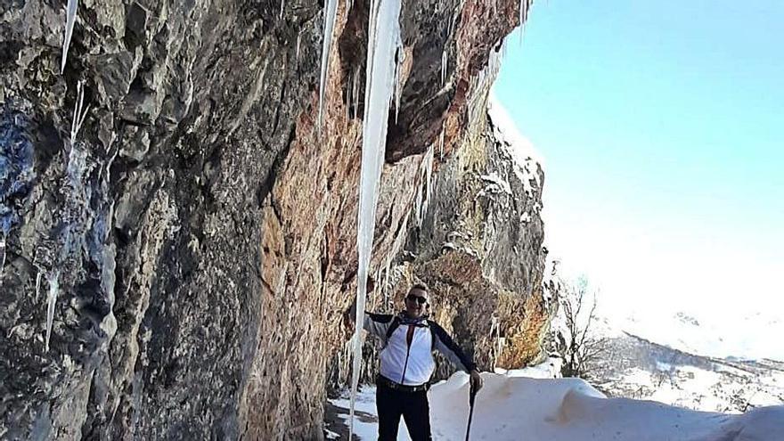 Carámbanos de tres metros en Caso