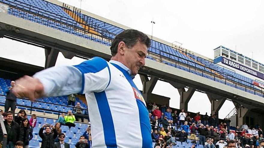 Pedro Sánchez emula a Kempes