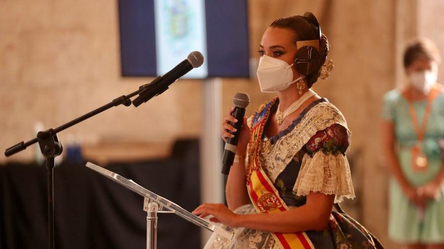 """Consuelo Llobell: """"No ha sido un año fácil. Ni para los falleros, ni para los sanitarios"""""""